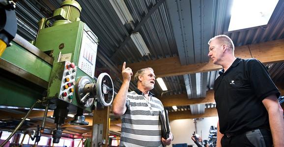 Palle hjælper virksomheder med at spare på energien