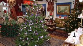 Humlemagasinet pynter op til jul